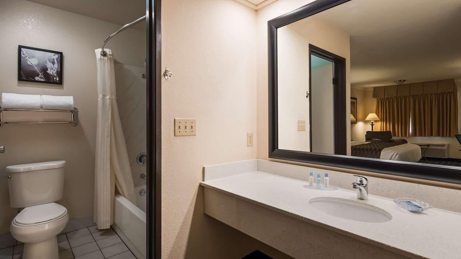 Cozy Hayward, CA Hotel – Best Western Plus Inn Of Hayward