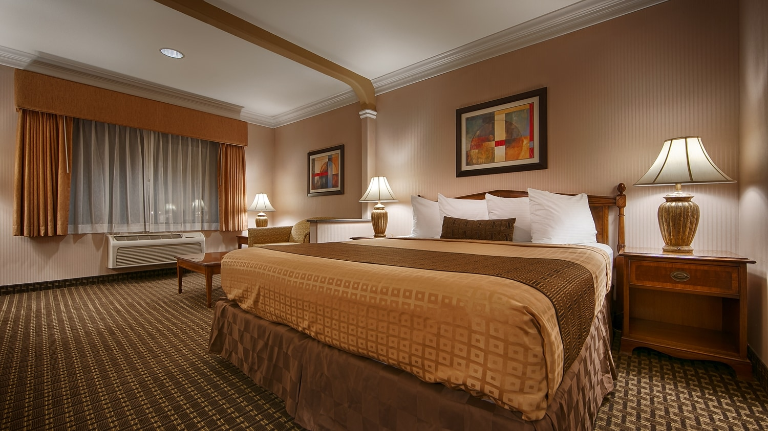 Our King Guest Room Was Designed With An Open Concept Ensuring You Have Enough Without Sacrificing Comfort