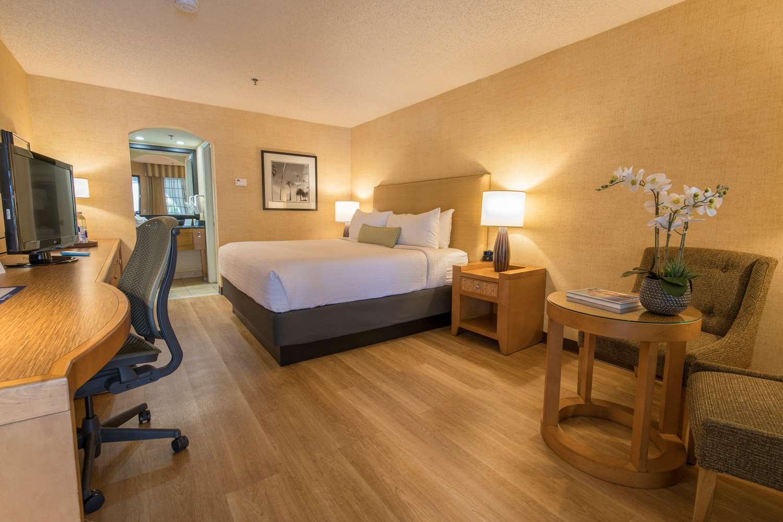 Room at Best Western Las Brisas