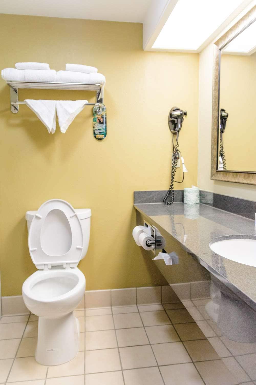 Convenient Hotel In Fort Collins, CO - Best Western Kiva Inn