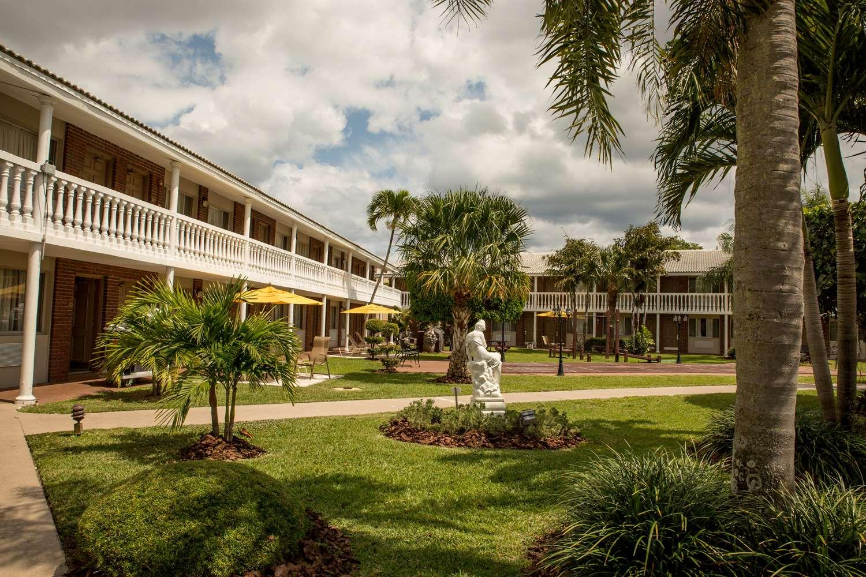 West Palm Beach Hotels | BEST WESTERN Palm Beach Lakes