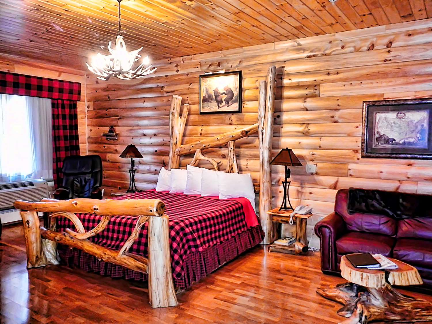 Wilderness Lodge King Bed Air Jet Jacuzzi Electric Mage Chair And More