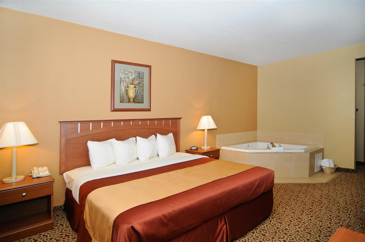 Enjoy A Getaway By Treating Yourself To Our One King Guest Room With An In Hot Tub