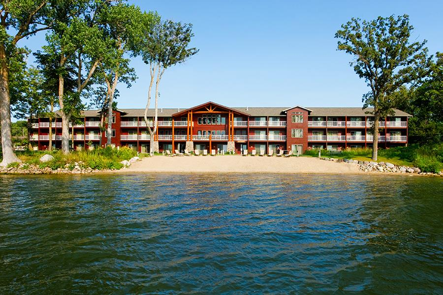 what to do in detroit lakes mn