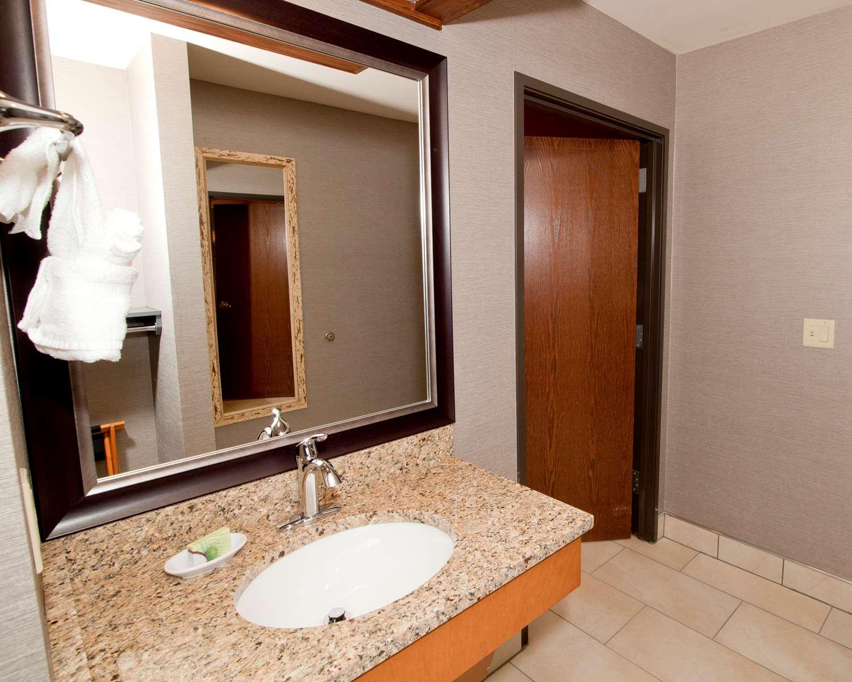 Bozeman Hotels Best Western Plus GranTree Inn - Remodeled guest bathrooms