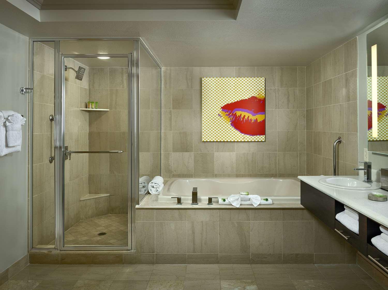 Stratosphere Hotel Suites