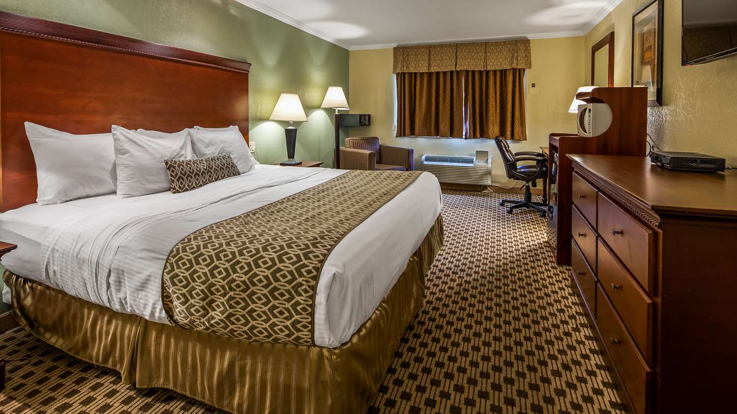 Pompton Plains Hotel | BEST WESTERN Regency House Hotel | Hotels ...