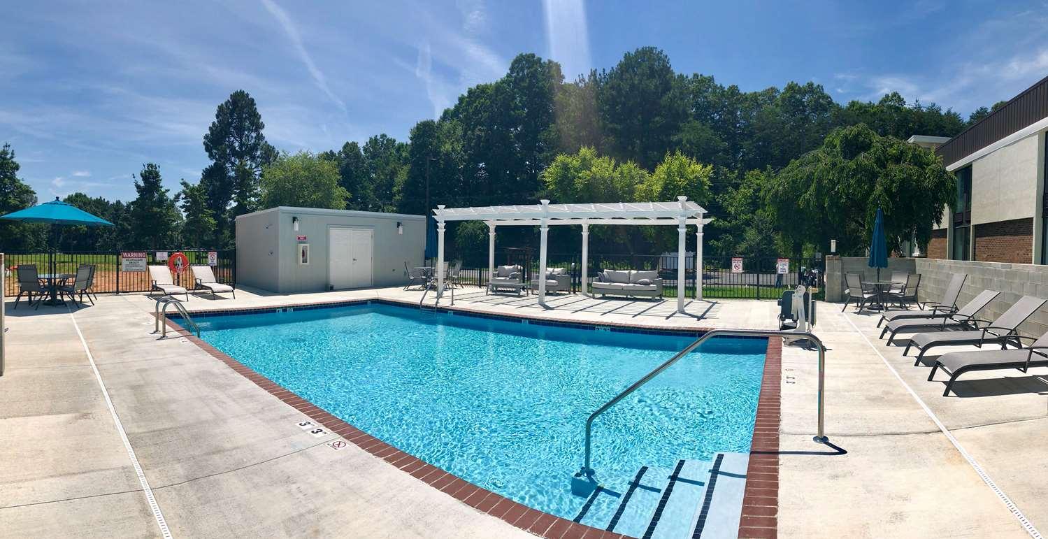 Yadkin Valley Inn  U0026 Suites - North Carolina