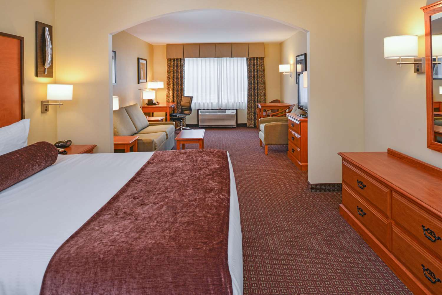 Book A Stay In Our King Business Suite Next Time You Troutdale