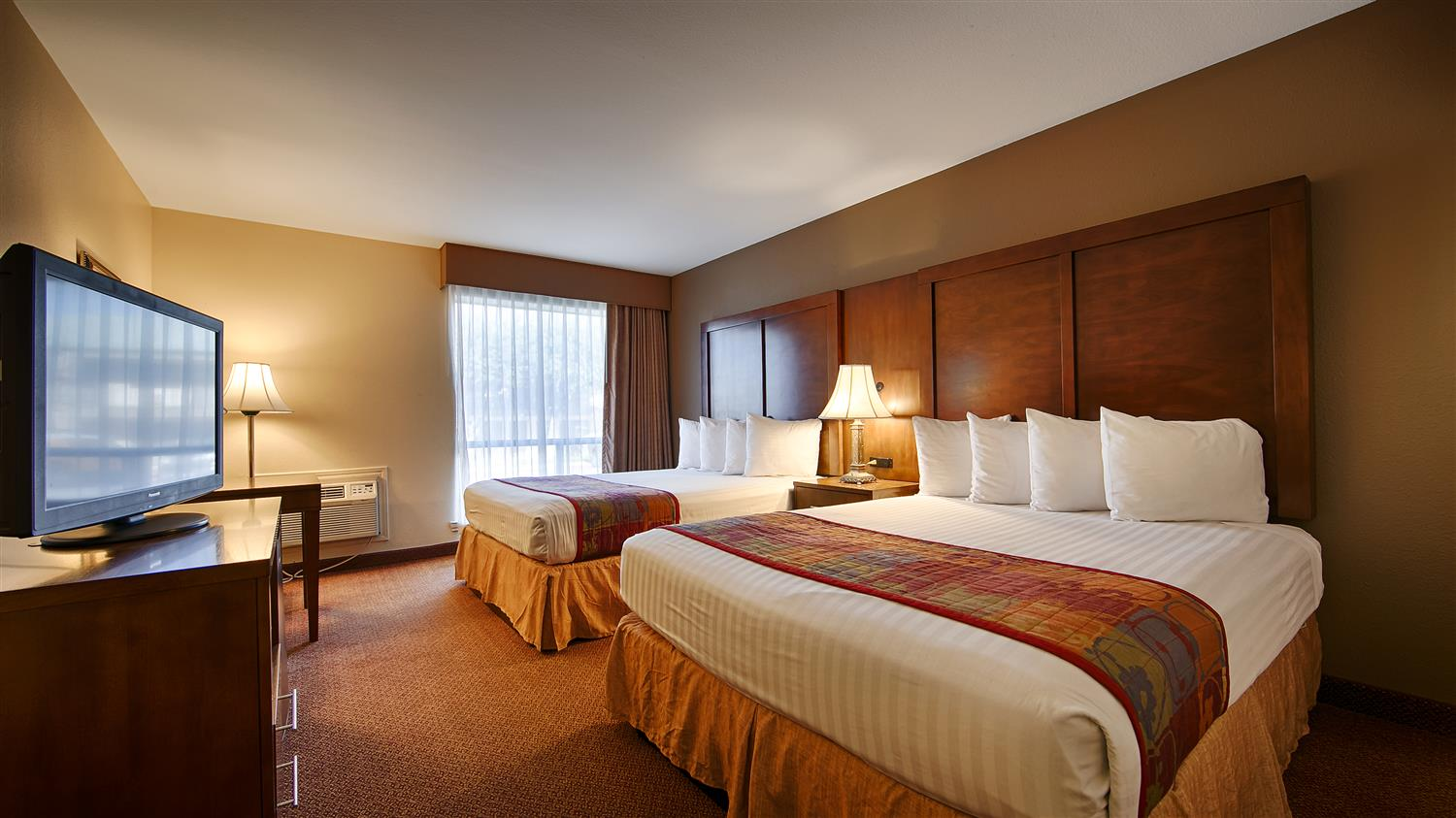 Our Ious Traditional Two Queen Beds Guest Rooms Are Great For Family Or Work Crews To Relax After A Long Day