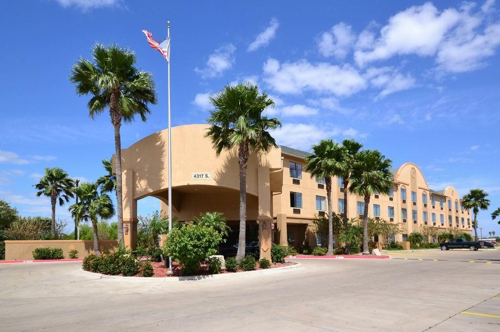 Best Western® Casa Villa Suites