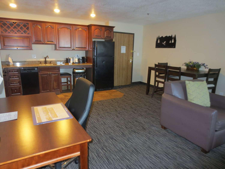 Landmark Inn Park City Honeymoon Suite