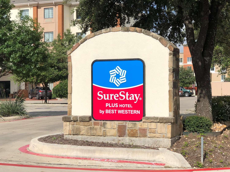 SureStay Plus Hotel San Antonio SeaWorld