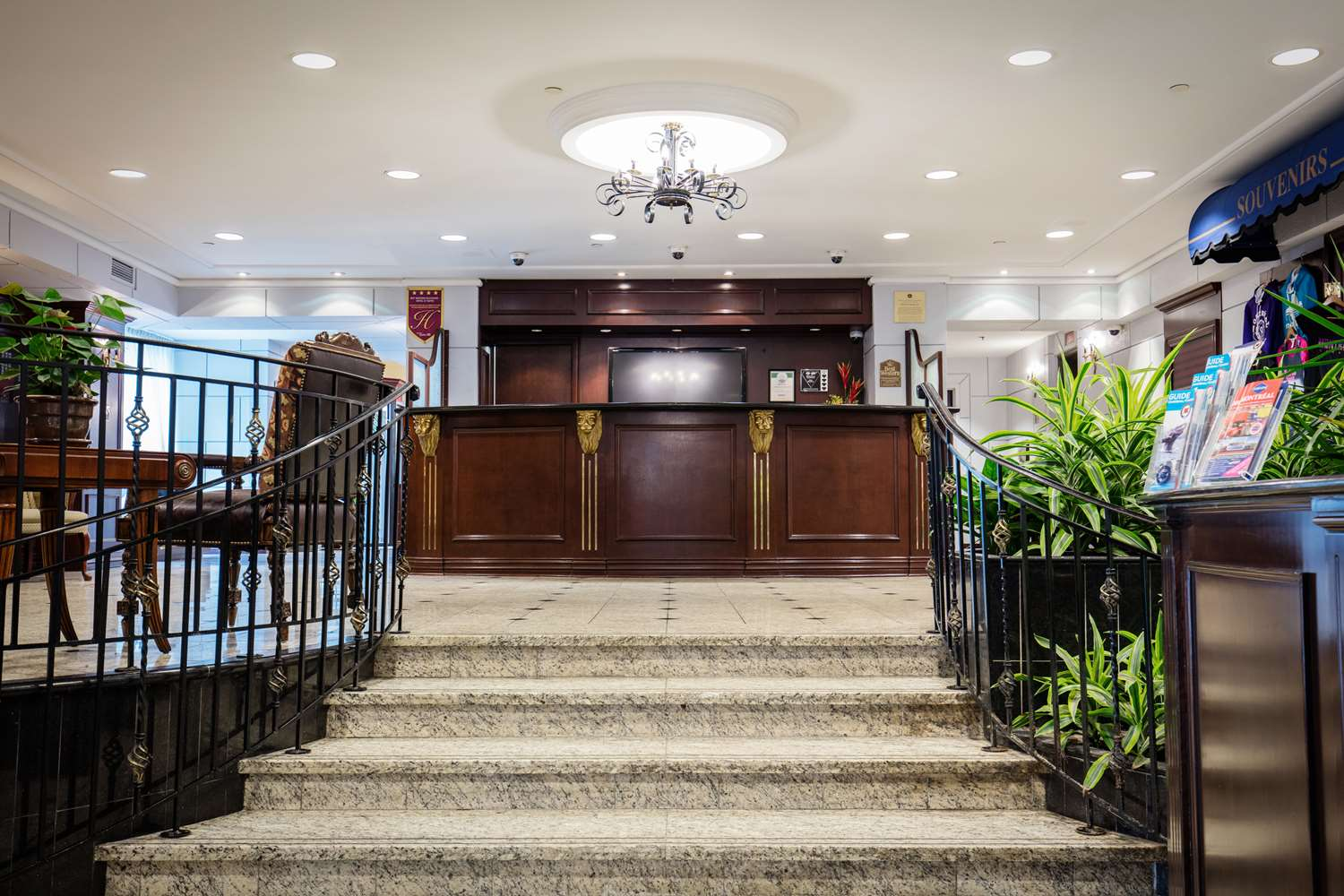 Hotels In Downtown Montreal Best Western Villa Marie Montreal