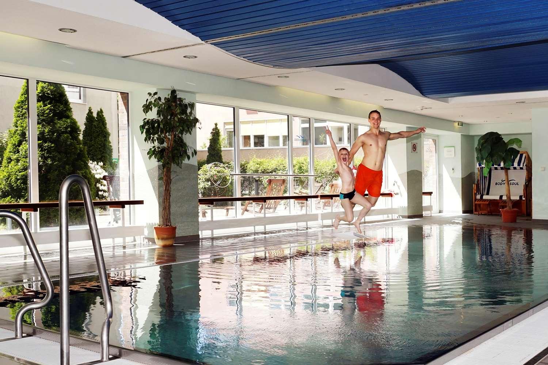 macrander hotel dresden dresden germany. Black Bedroom Furniture Sets. Home Design Ideas